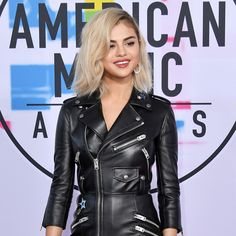 """Fashion Week (@fashion_week): """"Blonde Ambition 💁♀️ Last night, @SelenaGomez turned heads on the @AMAs red carpet with a lighter…"""""""