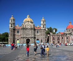 The Old Basilica, begun in the 16th century and completed in 1709, stands in stark contrast to the massive new basilica, designed by the Mexican architect Pedro Ramírez Vázquez, which was built in the mid-1970s and looks like a sports arena. It is, in fact, intended to hold 50,000 people, who come for mass—celebrated several times a day—and to see an image of the Virgin Mary that is said to have appeared on an apron in 1531.