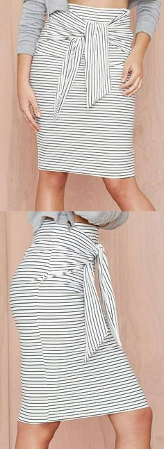 Love the tie- dress up or down Casual Dresses, Casual Outfits, Cute Outfits, Fashion Outfits, Womens Fashion, Traje Casual, Girls Summer Outfits, Stripe Skirt, Cute Skirts