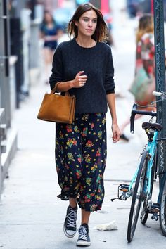 How to Wear Your White Sneakers for Spring: Alexa Chung