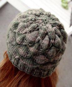 Зимняя женская шапка спицами схема и описание. Mujer de invierno radios sombrero diagrama y descripción  