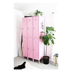 Love these storage lockers spotted at the very inspirational blog by Elsie & Emma of @abeautifulmessoficial. Such a great idea for studio storage   #storage #decor #inspiration #love #abeautifulmess #interior #storagesolution #inspire #creative #upcycling #studio #studiospace