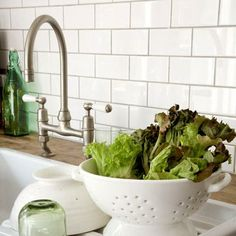 desired style of kitchen backsplash: white subway tiles with grey grout from countertop to bottom of upper cabinets. Texas Kitchen, Kitchen Reno, Kitchen Backsplash, Kitchen Dining, Kitchen Remodeling, Remodeling Ideas, Faucet Kitchen, Countertop, White Subway Tiles