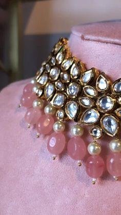 Kundan Jewellery Set, Fancy Jewellery, Jewelry Design Earrings, Gold Jewellery Design, Beaded Jewelry, Indian Jewelry Earrings, Kundan Set, Clay Jewelry, Indian Bridal Jewelry Sets