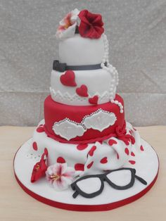 il bianco e il rosso - by oriettabasso @ CakesDecor.com - cake decorating website