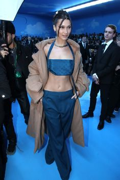 Bella's clothes and outfits. Find out where to buy the exact clothes Bella Hadid wore. Bella Hadid Outfits, Bella Hadid Style, Celebrity Outfits, Celebrity Style, Bella Hadid Tumblr, Clubbing Outfits, Model Street Style, Victoria Secret Angels, Star Fashion