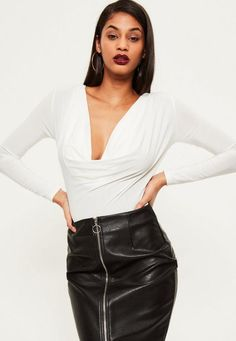 Think slinky with this totes amaze new must have addition to your bodysuit selection. With a cowl neck design and long sleeves this white party piece will lift up any of your outfits and instantly make them sexy. Team with a midi skirt and ...