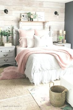 Mid-Winter-Schlafzimmer Facelift , Source by The post Mid-Winter-Sch Teen Room Decor, Room Ideas Bedroom, Home Decor Bedroom, Bedroom Colors, Diy Bedroom, Teen Room Colors, Bedroom Photos, Interior Livingroom, Bedroom Inspo