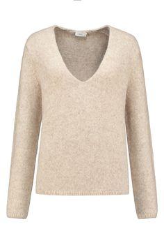 Closed Pullover in Soft Beige - C96392 95L 22 214