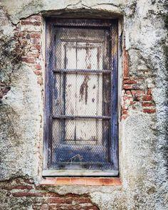 Caldes d'Estrac, Barcelona #doors #door #puertas #puerta #instagood #barcelona