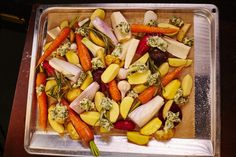 Podzimní pečená zelenina s bylinkovým máslem — CULINA BOTANICA Cobb Salad, Cheese, Recipes, Food, Recipies, Essen, Meals, Ripped Recipes, Yemek
