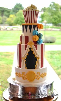 I had soooo much fun making this wedding cake with a vintage carnival theme! It was my first time making gelatin bubbles….tricky and messy but I love them! Circus Theme Cakes, Carnival Cakes, Circus Theme Party, Carnival Wedding, Carnival Birthday Parties, Circus Birthday, Themed Cakes, Carnival Costumes, Carnaval Vintage
