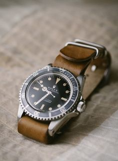 Rolex 5513 submariner vintage with leather NATO strap. Rolex Submariner, Rolex 5513, Vintage Rolex, Vintage Watches, Luxury Watches, Rolex Watches, Cool Watches, Watches For Men, Wrist Watches
