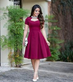 Image may contain: 1 person, standing Elegant Dresses, Pretty Dresses, Hijab Stile, Frock Patterns, Girls Frock Design, Frocks For Girls, Dress Skirt, Dress Up, African Dress