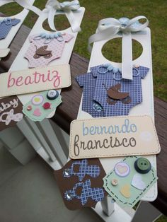 Door hangers by CozyFloripa.