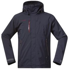 Flya Insulated Jacket from Bergans is a padded, waterproof and windproof men's jacket for versatile use. For those of you who need a warm waterproof jacket.
