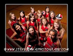 volleyball poses for team pictures Volleyball Team Pictures, Volleyball Poses, Cheer Team Pictures, Senior Pictures Sports, Volleyball Mom, Senior Photos Girls, Basketball Pictures, Sports Images, Sports Photos