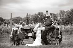 Google Image Result for http://sweetwaterportraits.com/blog/wp-content/uploads/2011/07/Sweetwater_Farm_Wedding_Photographer012-800x533.jpg