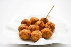 Deze gekruide linzenballetjes zijn een goede vleesvervanger. Plantaardig en heerijk in een salade, door de pasta of bij wat groente