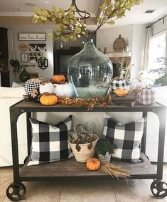 46 Awesome Farmhouse Fall Decor Ideas Perfect For Any Room Model 46 Fantastische Bauernhaus-He. Fall Home Decor, Autumn Home, Diy Home Decor, Fall Apartment Decor, Fall Kitchen Decor, Farmhouse Remodel, Farmhouse Decor, Modern Farmhouse, Farmhouse Ideas