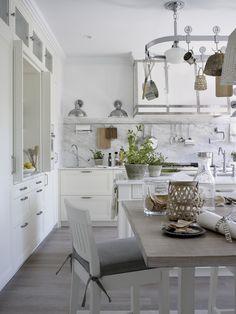 Espacios relacionados: comedor y cocina al fondo. #Cocina #Kitchen #Comedor…