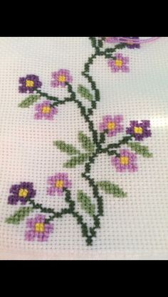 1 million+ Stunning Free Images to Use Anywhere Easy Cross Stitch Patterns, Simple Cross Stitch, Cross Stitch Rose, Cross Stitch Borders, Modern Cross Stitch, Cross Stitch Flowers, Cross Stitch Designs, Diy Embroidery, Cross Stitch Embroidery