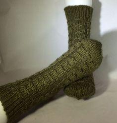 Hand Knit Socks, Alpaca, Wool Blend, Womens Socks, Slipper Socks, House Socks, Bed Socks, Lounge Socks, Comfy Socks, Warm Socks, http://etsy.me/2obBoq4 #socks #women #green #slippersocks #handknitsocks