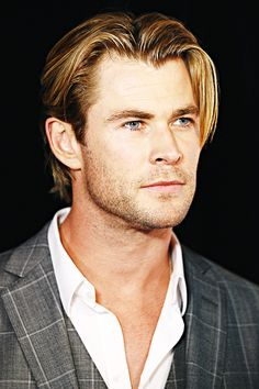 Chris Hemsworth attends the Foxtel season launch at Sydney Theatre on October 30, 2014 in Sydney, Australia.