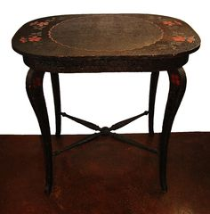 The history of pyrography (wood burning) as a decorative craft in the Victorian era with photos of a beautiful antique pyrography-decorated table. Pyrography Tools, Pyrography Designs, Decor Crafts, Home Crafts, Long Melford, Wood Etching, Metal Engraving, Blanket Chest, Center Table