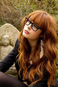 I would hate having glasses simply out of inconvenience, but sometimes I just want them so bad. Also: her hair is awesome.