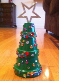 Flower Pot Christmas Tree- cute craft for next year!