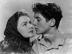 american-actors-anne-baxter-and-farley-granger-respectively-as-marina-picture-id152218736 (1024×767)