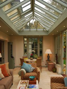 The roof lantern is an essential feature of any orangery. View some stunning examples of orangery roofs here. Orangery Extension Kitchen, Orangerie Extension, Kitchen Orangery, Cottage Extension, House Extension Design, House Design, Glass Roof Extension, Extension Ideas, Pergola With Roof