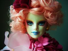 A Doll Affinity: Effie Trinket dressed and all the other OOAK doll stuff I've been busy with...