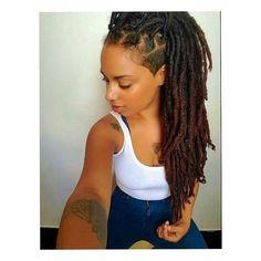 @artisticsoul_official ・・・ #teamlocs #locd #locs #iamlocd #locjourney #locstyles #naturalista #teamnatural #melanin #blackisbeautiful #blackgirlmagic