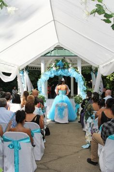 The mass for my beautiful friend's quincenera. Quinceanera Traditions, 15 Birthday, Love Chair, My Beautiful Friend, Quince Ideas, Sweet 15, Sweet Sixteen, Princess Party, Sweet Fifteen