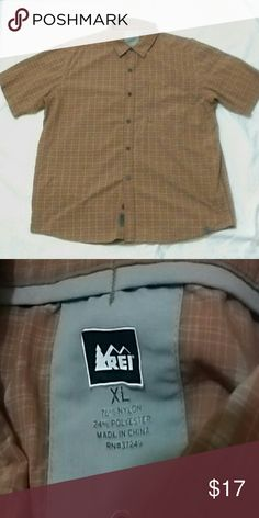 REI mens XL short sleeve nylon button up shirt Quick dry fabric great for hiking and fishing EUC REI Shirts Casual Button Down Shirts