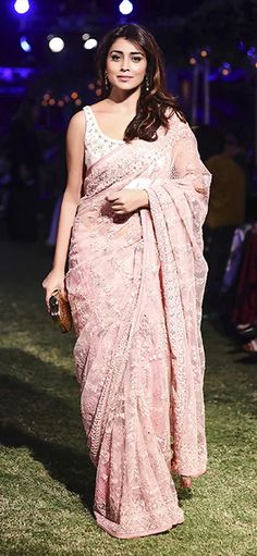 Buy celebrity style clothing, gowns, and dresses online. Carma Online is a one stop shop for trending bollywood style clothing. Browse our website for the latest Bollywood collection or step in to our nearest store now! Fancy Sarees, Party Wear Sarees, Indian Dresses, Indian Outfits, Pakistani Outfits, Sarees For Girls, Modern Saree, Stylish Sarees, Stylish Dresses