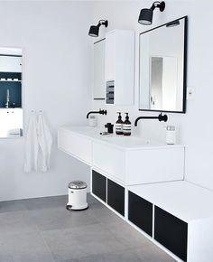 Badet vårt er plukket ut som finalist i sin utfo Interior Design Advice, Interior Styling, Dream Bathrooms, Beautiful Bathrooms, Scandinavian Bathroom Sinks, Montana Furniture, Kmart Decor, Ikea, Beautiful Houses Interior