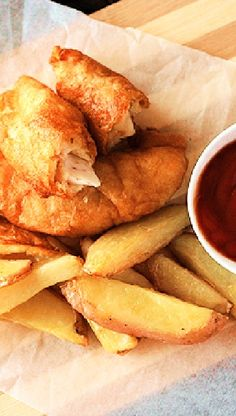 Low FODMAP and Gluten Free Recipe - Oven-baked fish and chips   http://www.ibssano.com/low_fodmap_recipe_oven_baked_fish_and_chips.html
