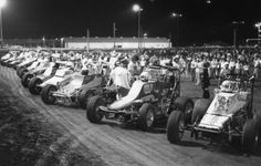 A look at the starting grid for the 1981 Knoxville Nationals. Where's the wings?