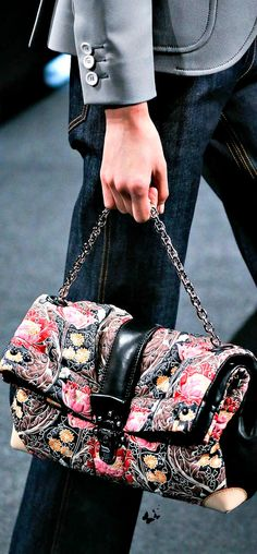 http://www.tinydeal.com/de/handbags-px2eyq9-c-341_376_794.html Louis Vuitton Spring 2015 Ready-to-Wear