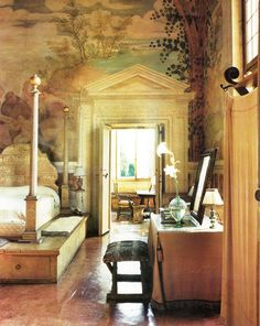 Divine mural! I would fall off that strange platform around the bed though.