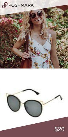 f4ff5d7858 Foster Grant Florance Sunglasses NWT Foster Grant Florance Sunglasses NWT  Foster Grant Accessories Sunglasses