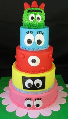 Yo Gabba Gabba party cake (this is an idea, not a cake recipe)