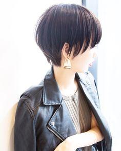 """ショートボブ✂️渋谷美容師✂️ハイライト *土田哲也✴︎ on Instagram: """"[#Tショート ] concept:女性として一つ質の上がるハイグレードなデザイン ・ #マッシュショート ・ キュートより色っぽくクールにしたいすべての人へ ・ ショートやボブだからこそ女性らしい魅力、色気、お洒落さを.... ・ #ピアス が似合う#ヘアスタイル に ・…"""" Short Bob Haircuts, Cute Hairstyles For Short Hair, Girl Short Hair, Pretty Hairstyles, Short Hair Cuts, Short Hair Styles, Japanese Haircut, Japanese Short Hairstyle, Hair Arrange"""