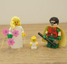 Lego bride and groom, Robin Lego cake topper, Robin Lego, Lego wedding cake topper, Lego Wedding, Lego Couple, Lego minifigures, Lego