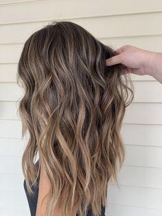 Straight Hair Highlights, Straight Brunette Hair, Light Brunette Hair, Brunette Hair Color With Highlights, Balayage Straight Hair, Hair Color Streaks, Balayage Hair Blonde, Brown Blonde Hair, Thick Highlights