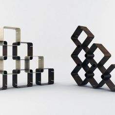 Great interlocking shelf design
