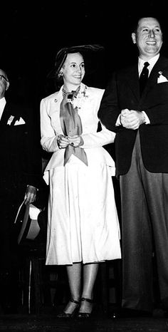 Juan and Eva Perón, 1949. President Of Argentina, Famous Couples, Queen, Former President, Llamas, Strong Women, Funeral, Rock And Roll, Style Icons